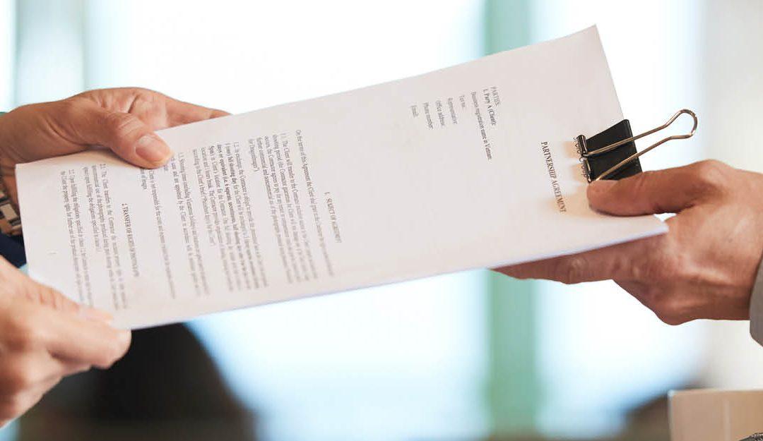 Contrat : Résolution du contrat pour manquement à l'obligation d'information et de conseil.